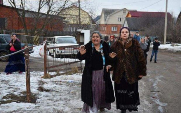Циганське гетто: роми відриваються на киянах по повній, поліція бездіє