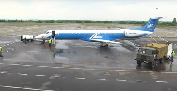 Літак з італійцями не долетів до Франківська