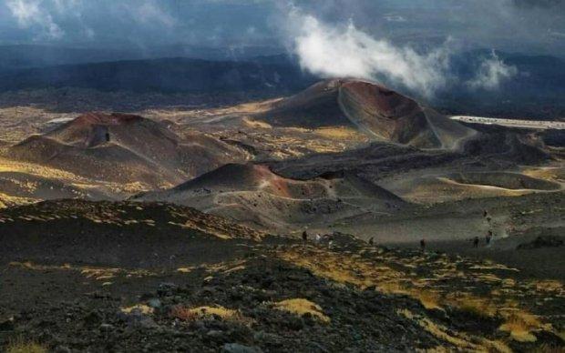 Вулкан Етна прокинувся: добірка фото та відео стихії, що лютує