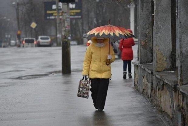 Дождь обрушится на Днепр с новой силой 25 декабря, зонтики не спасут