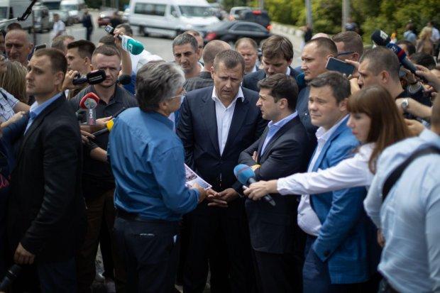 Зеленський побився об заклад із Філатовим: новий міст в Дніпрі проти аеропорту і випити по чарочці