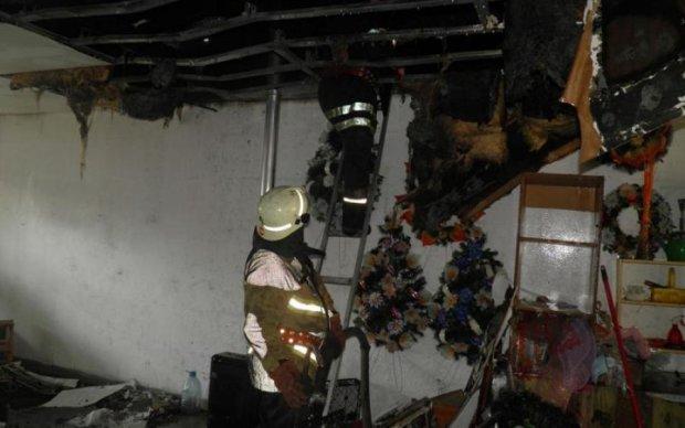 Жуткий пожар охватил город: сотни украинцев оказались на улице