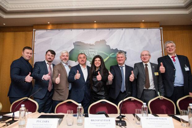 """Львов получил награду """"Global 100RE Ukraine"""": зеленая энергетика в тренде, достойный пример для всей Украины"""