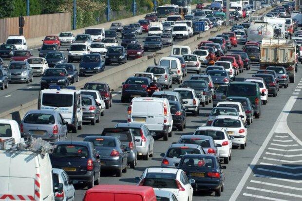 """Зеленский спровоцировал коллапс в Париже: """"нормандская встреча"""" остановила город на сотни километров"""
