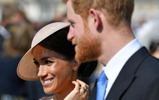 Перший вихід після королівського весілля зірвав волохатий бунтар