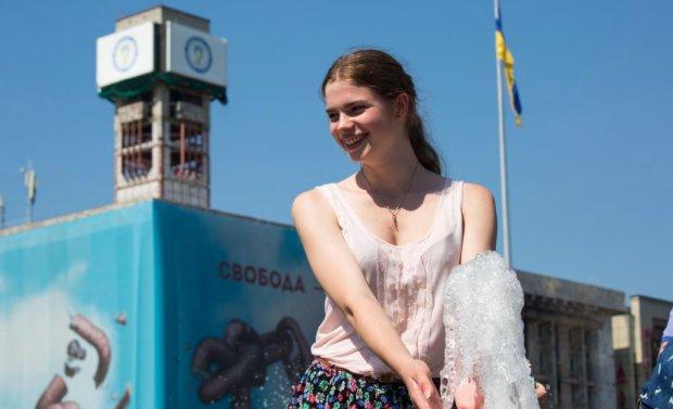 Від пекельної спеки врятуються одиниці: стихія приготувала українцям крижаний душ, кому пощастить