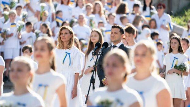 """Марш Достоинства вместо военного парада: украинцы оценили """"креатив Зеленского"""", чем поразил земляков День Независимости"""