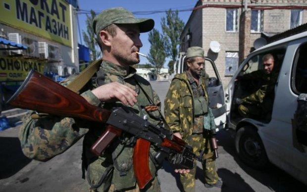 """Бойовикам """"ДНР"""" запропонували відкупитися від служби"""