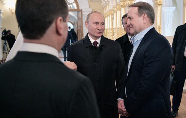 Путин привел в пример украинской власти прямой диалог Медведчука, добившегося освобождения 4 украинцев