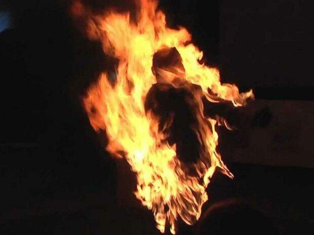 """У Дніпрі сироту підпалили живцем, врятувався дивом: ось так зараз """"грають"""" діти"""