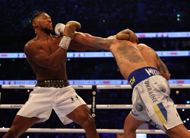 Бой Джошуа-Усик, фото: твиттер Matchroom Boxing