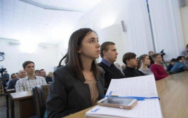 ЗНО з української мови: скільки абітурієнтів провалили тест