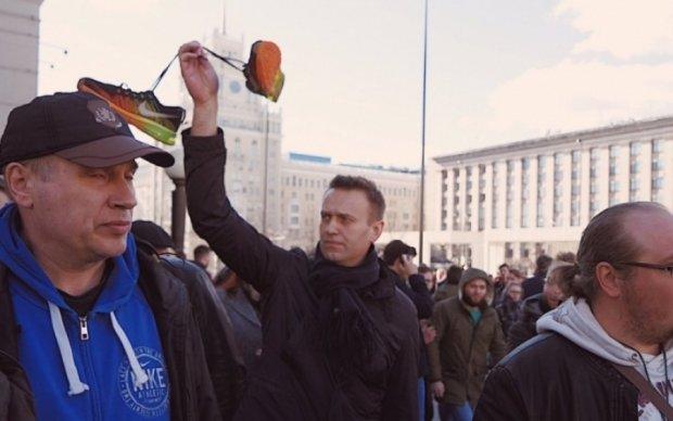 """""""Империя Медведева"""" защищается: арест Навального, сотни задержанных и молчание СМИ"""