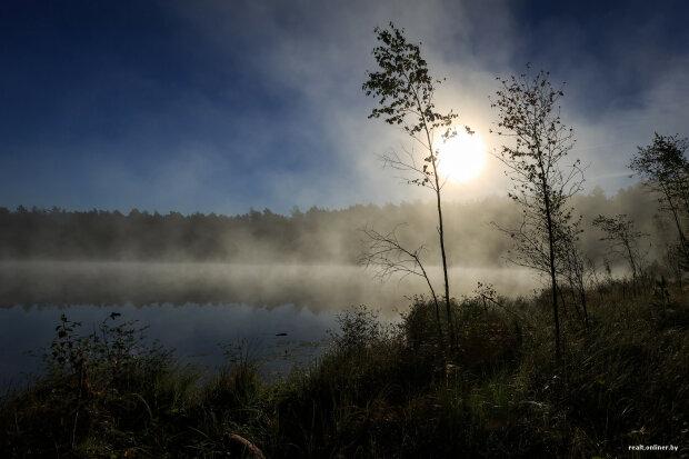 Бездонное черное озеро: жуткое место Украины, породившее множество легенд