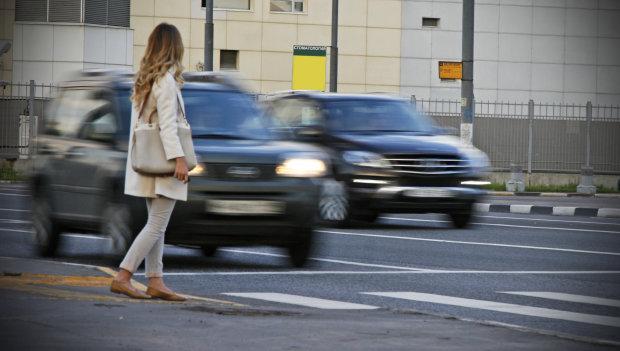 """""""Полювання"""" за пішоходами в Україні: за що вас можуть оштрафувати посеред вулиці"""