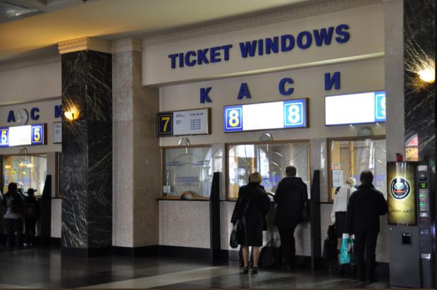 Каси Укрзалізниці перенесли: де тепер купити квитки