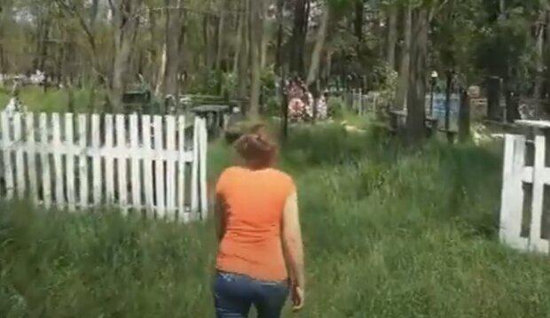 Під Тернополем холерне кладовище зорали під город - село повстало