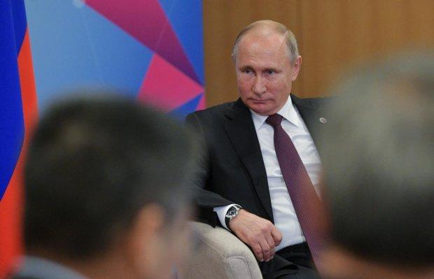 Агресія у Азовському морі: Путін прибрав лапи від українських портів