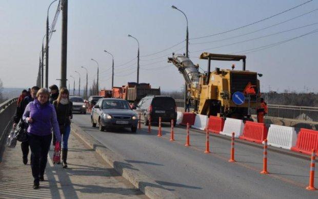 Південний міст у Києві частково перекриють