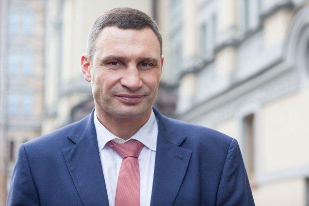 Кличко оголосив війну стовпам і телефонам киян: подробиці