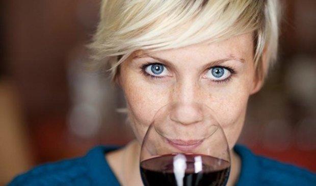 Власники блакитних очей найчастіше стають алкоголіками