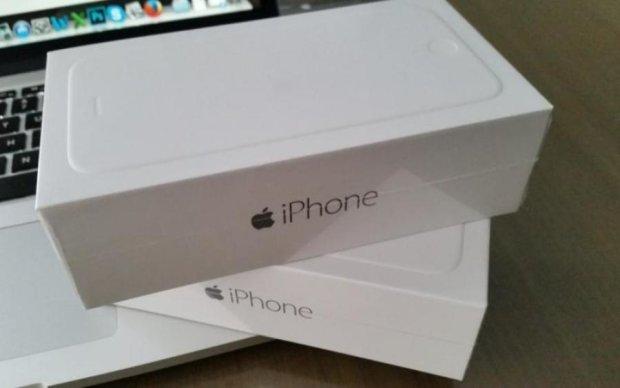 Пограбування століття: тупі росіяни за 30 секунд вкрали 14 коробок з-під iPhone