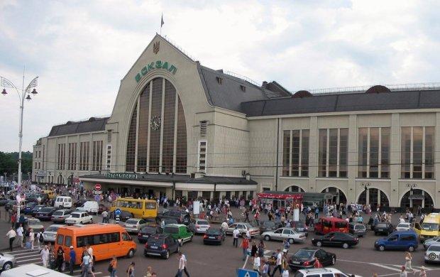 С билетом в руках: загадочная смерть на вокзале Киева озадачила копов