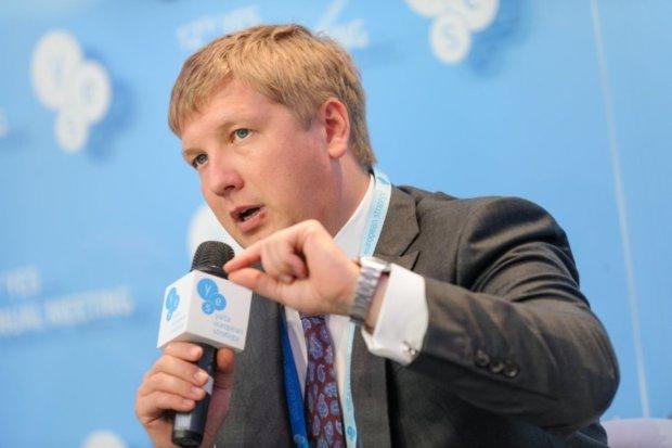 Зарплата Коболєва розлютила Україну: могли врятувати не одне життя на ці гроші