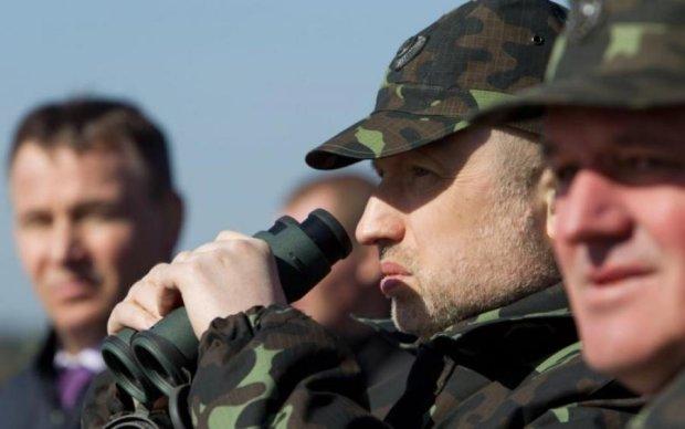 Турчинов мечтает превратить Украину в сплошную крепость