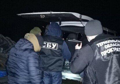 На Тернопільщині чиновника спіймали на великій афері, вам і не снилося: поклав у кишеню квартиру