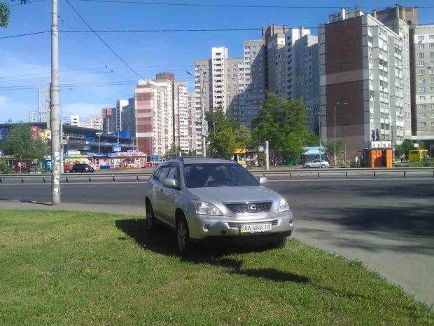 """Пусть обходят: """"герой парковки"""" подтолкнул киевлян на страшное преступление"""