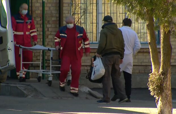 Лікаря з Франківська скосив вірус, ніхто не допоміг - лікувалася вдома за жебрацьку зарплату