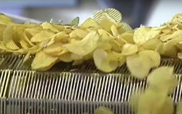 Чипси, кадр з відео