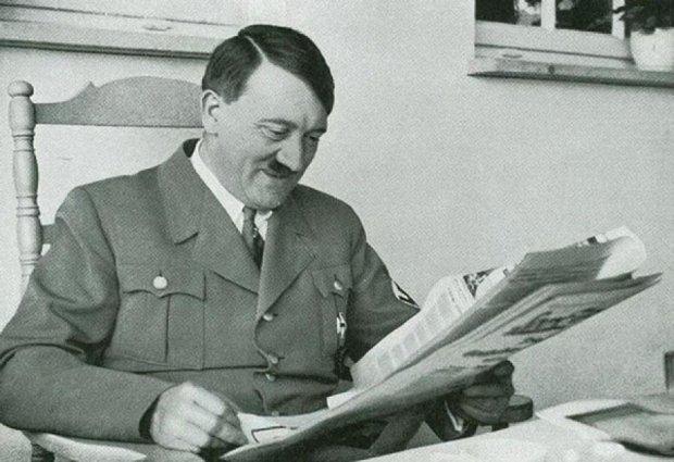 Збірник з фотографіями Гітлера виставили на аукціон у Британії