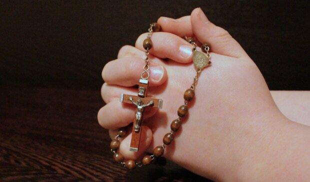 Коли не знаєш, про що вже молитися - у скрутні часи у Бога варто просити саме це