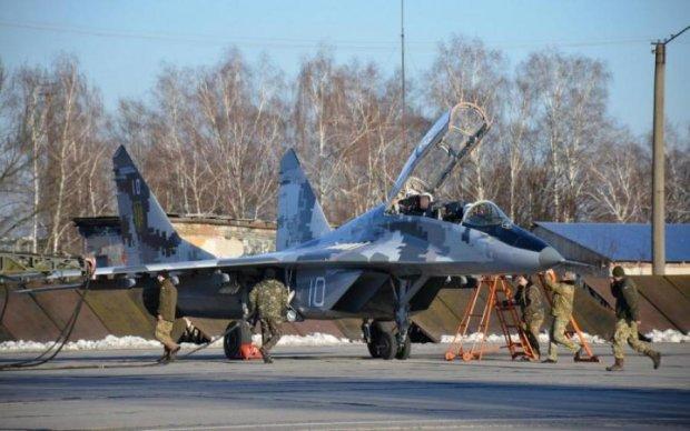 Влада підняла зарплатню військовим льотчикам, але пощастить не всім