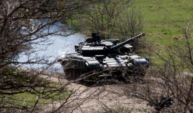 Боевики ночью обстреляли из танков Марьинку