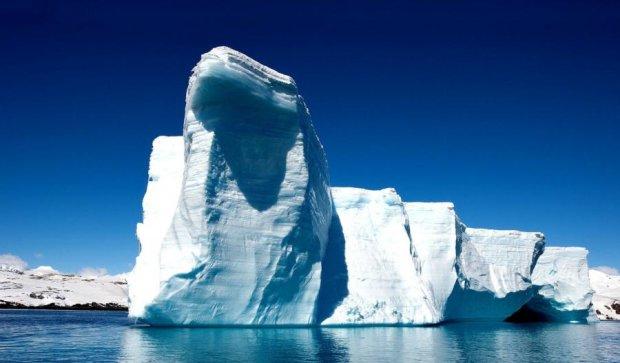 В Антарктиді утворився гігантський айсберг