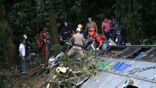 У Бразилії в автокатастрофі загинули півсотні людей