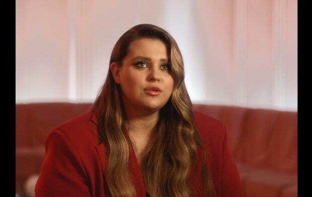 Саша Зарицкая, кадр из клипа Kazka