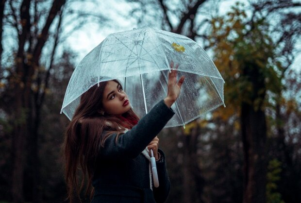 Осіння хандра і як з нею боротись: фахівці назвали способи підлаштуватись під сезон