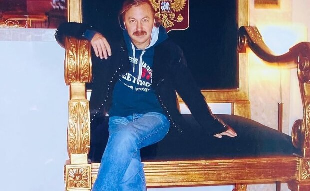 Колишній Корольової Ніколаєв потонув в обіймах принцеси: справжня красуня