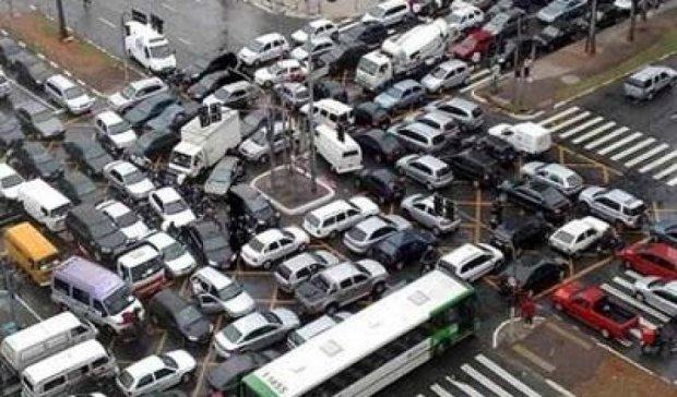 Влада скує Київ пробками на два дні