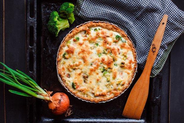 Киш с красной рыбой и брокколи: пошаговый рецепт