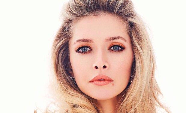 """Брежнєва в золотому боді підкорила фанатів елегантністю: """"Стиль - це Віра"""""""