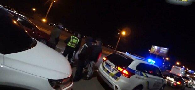У Запоріжжі схопили банду дачних злодіїв - грабували будинки, щоб прикластися до пляшки