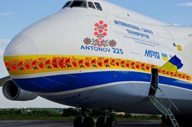 """український гігант """"Мрія"""" Ан-225 , фото ДП """"Антонов"""""""