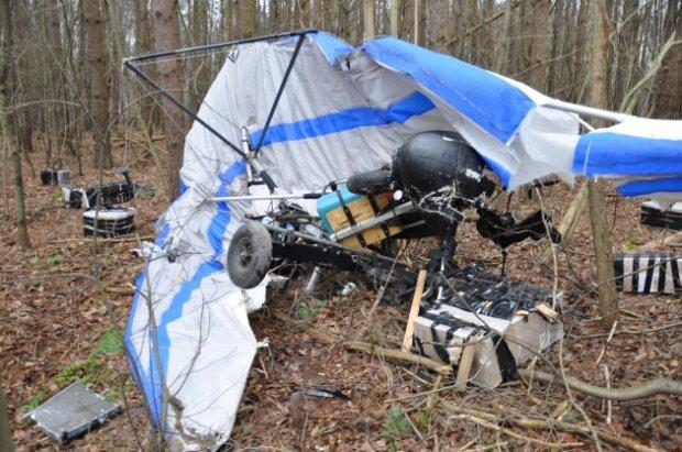 Контрабандист-лузер на дельтаплані розбився в Польщі: хотів покурити на 800 тисяч