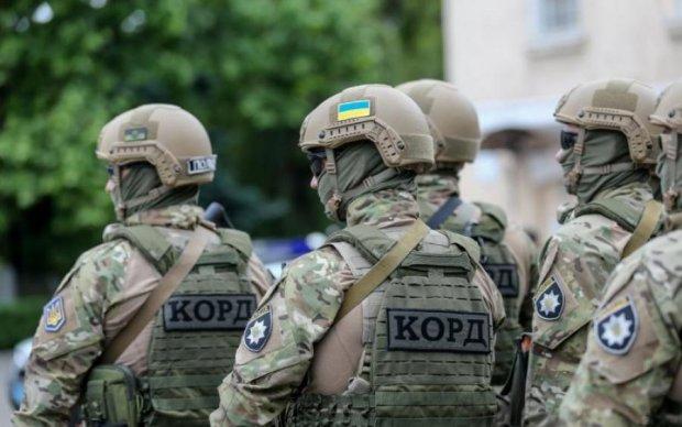 Копи затримали банду колекторів, яка тримала у страху весь Київ
