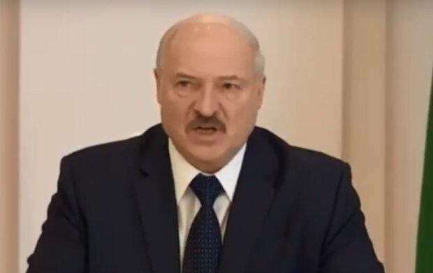 Александр Лукашенко, скрин из видео